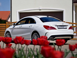 Фото компании Mercedes-Benz и с сайта blog.mercedes-benzsouthwest.co.uk