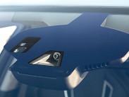 На Insignia появился более совершенная камера Opel Eye второго поколения. Благодаря ей улучшилась работа систем распознавания дорожных знаков и контроля за рядностью движения.