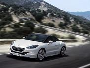 """Peugeot RCZ. Французское купе конкурирует с хорошо оснащенными MINI Cooper и даже """"заряженным"""" Cooper S: базовая цена за машину со 150-сильным турбированным 1.6 и """"механикой"""" составляет 1,199 миллиона рублей. Доплата за """"автомат"""" - 60 тысяч рублей. Зато 200-сильное купе на """"ручке"""" можно купить всего за 1,299 миллиона рублей. И это очень хорошее предложение - рулится """"Пежо"""" просто здорово. И он тоже достаточно эгоистичный - места хватит только двоим."""