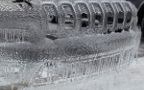 Jeep Cherokee и ледяной дождь стали соавторами скульптуры