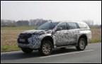 Появились первые фото нового Mitsubishi Pajero Sport
