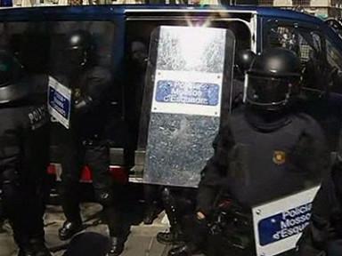 Европа протестует против антикризисных мер