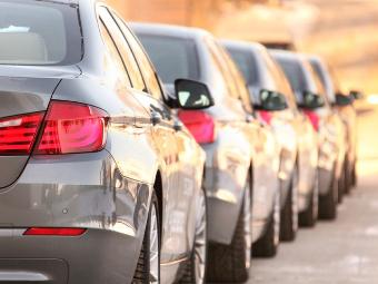 Продажи новых авто в России в мае упали на 12%