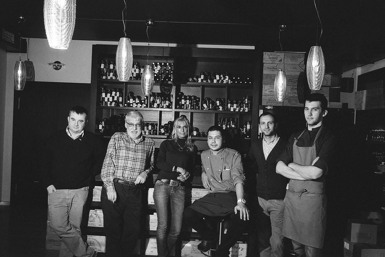 Хотя жизнь в винотеке «Эндер» вращается вокруг вина, ее хозяева, гости и повара — невероятно сдержанные люди