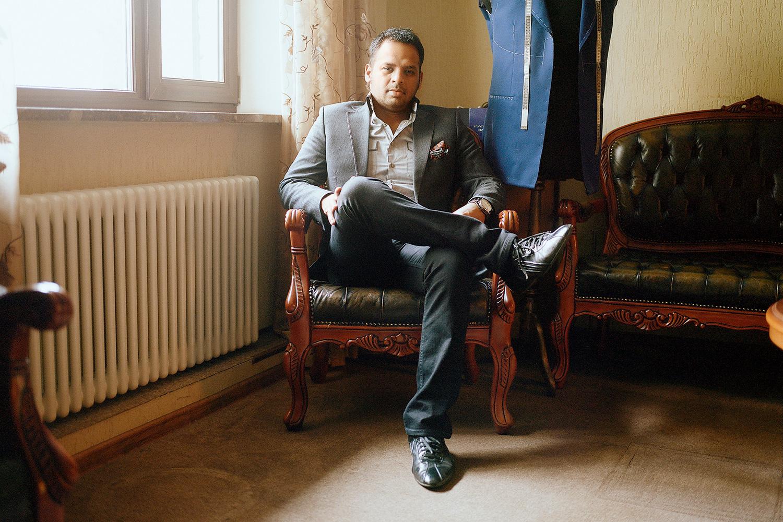 Генеральный директор Corzetti Роджер Пракаш говорит, что за те полтора десятка лет, что работает его ателье, москвичи стали более ответственно относиться к костюмам