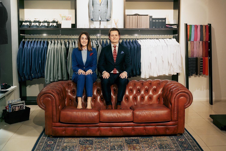 Клиентами Costume Code, по словам основателей ателье, являются в основном молодые финансисты и юристы