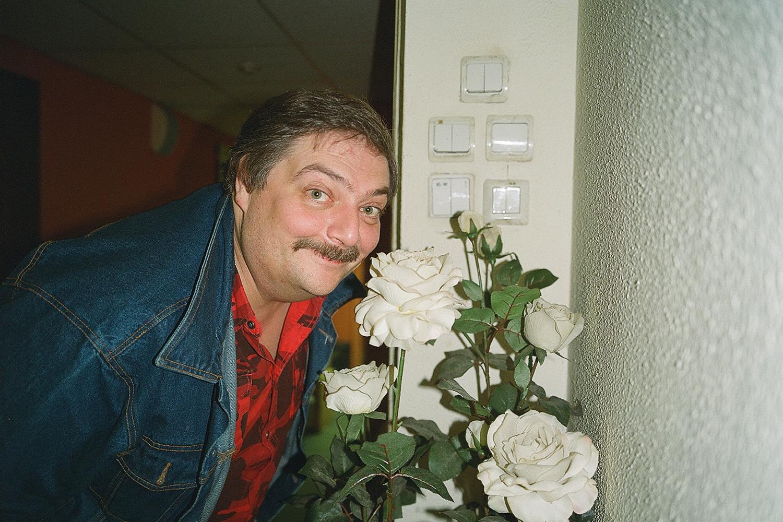 Дмитрий Быков, сын учительницы литературы, и сам больше всего любит работать учителем литературы