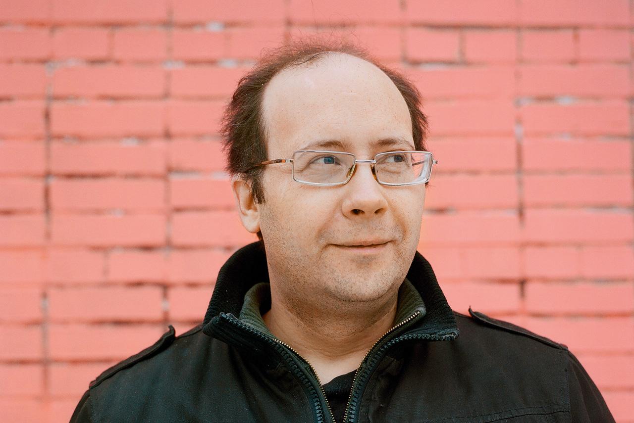 Алексей Подольский живет в Подольске, работает гастроэнтерологом в местной больнице, сочиняет музыку и мечтает сниматься еще