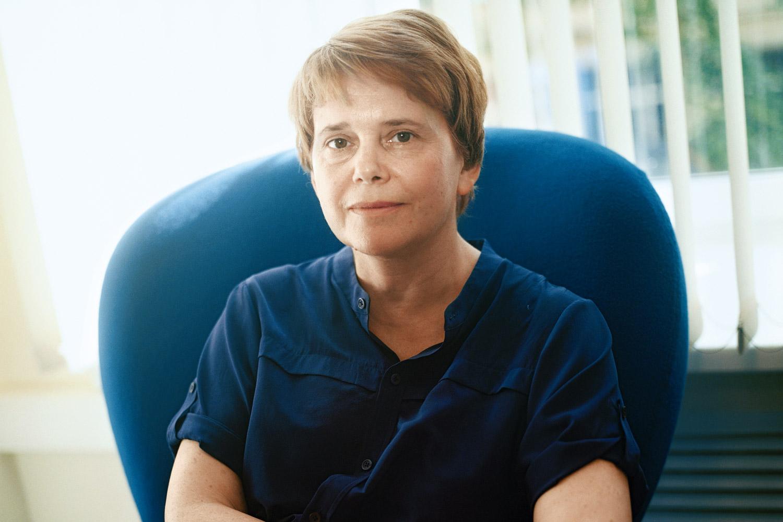 Ирина Прохорова стала известна широкой общественности прошлой зимой, когда активно участвовала в президентской предвыборной кампании своего брата Михаила