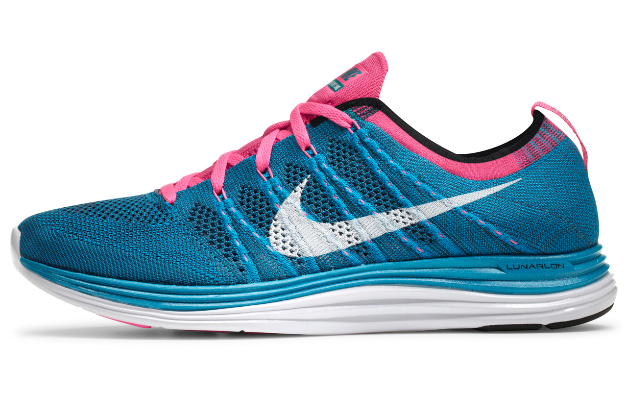 Разработанные пару лет назад кроссовки Nike Flyknit изменили представление о том, как такая обувь может выглядеть и сколько может весить