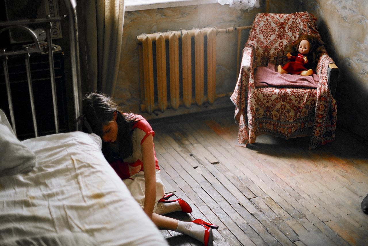 Сцены с героиней Агнии Кузнецовой в квартире милиционера-маньяка в исполнении Алексея Полуяна в «Грузе 200» — едва ли не самое тяжелое, что было в новейшей истории русского кино
