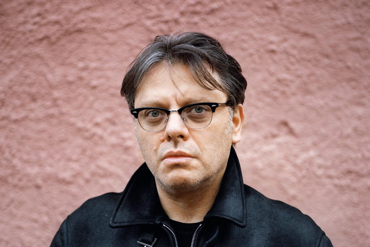 Валерий Тодоровский в качестве режиссера и продюсера поучаствовал сразу в нескольких фильмах из списка «Афиши» — от «Страны глухих» до «Охоты на пиранью» и «Стиляг»