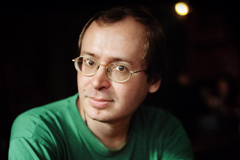 Перестав по техническим причинам быть главным редактором сайта «Русская жизнь», Дмитрий Ольшанский не перестал быть одним из самых востребованных русскоязычных сетевых публицистов — теперь уже в фейсбуке