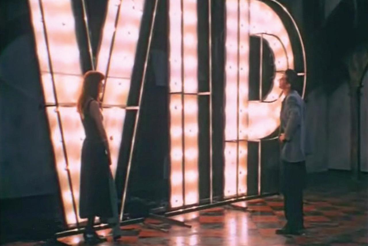 «Лимита» Дениса Евстигнеева была одним из первых фильмов, зафиксировавших на экране становление новой элиты — жадной до денег, женщин и прочих ранее недоступных удовольствий