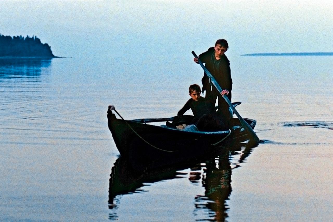 Пересказ фильма «Возвращение» в одном предложении звучал бы как «Трое в лодке, не считая Тарковского»