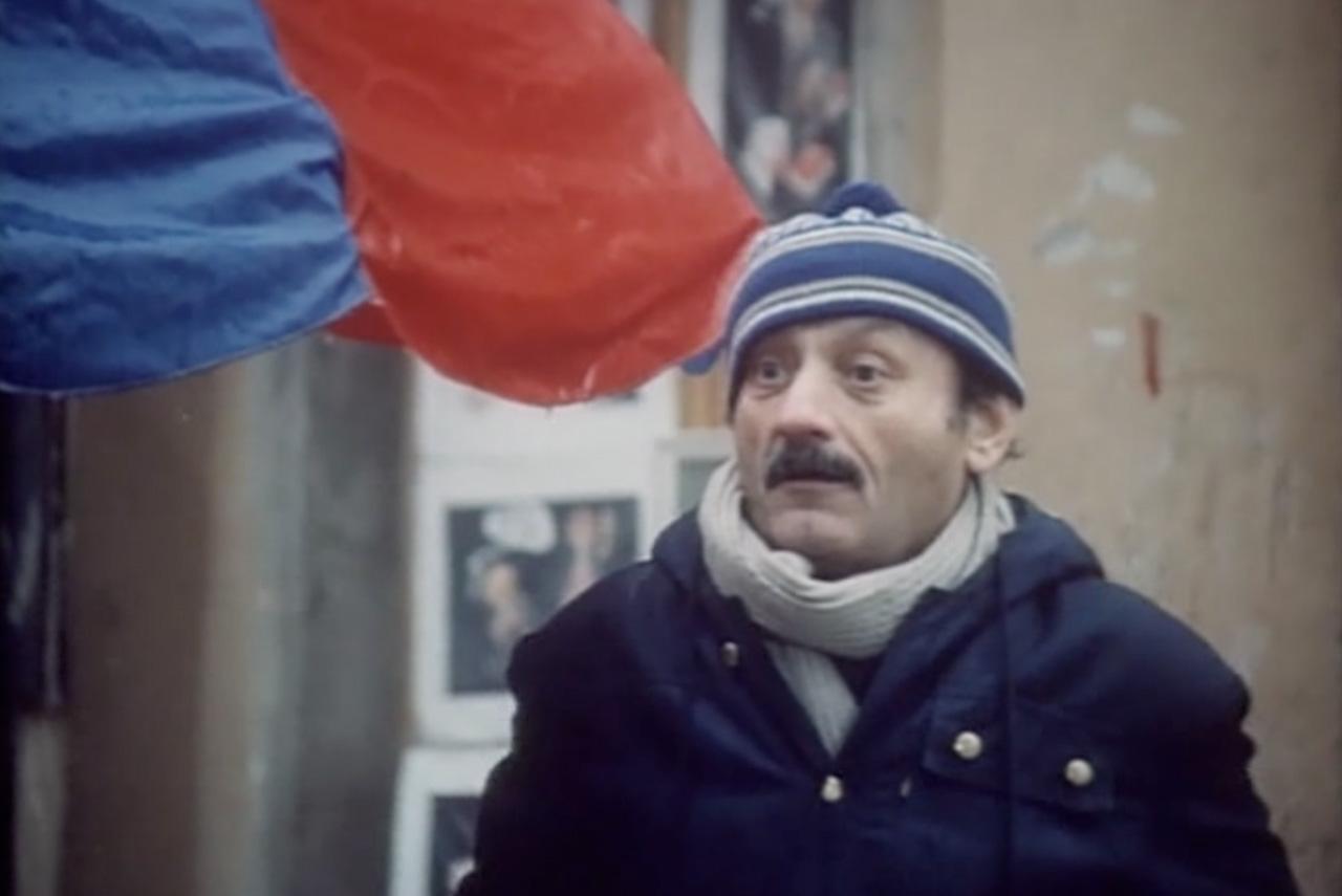 Семен Фарада в трилогии Михаила Кокшенова обычно играл самого незадачливого героя, пытающегося по мере сил приспособиться к новой капиталистической действительности