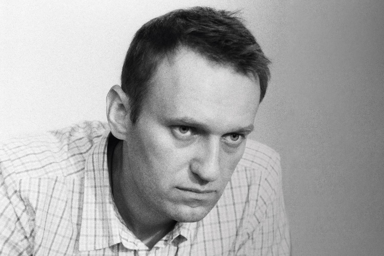 После ареста Алексей Навальный снял свою кандидатуру с выборов на должность мэра Москвы. После освобождения заявил, что кампания будет продолжаться несмотря ни на что