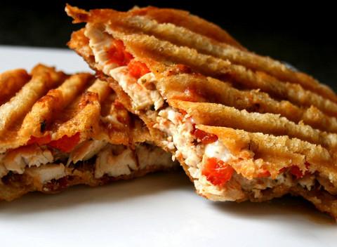 Сэндвич с копченым цыпленком, 195 р.