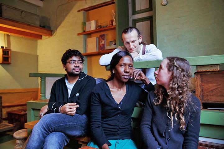 Слева направо: Сумит Рагуванши, Таня Вамбуи, Йохан Ботт, Галина Калинина