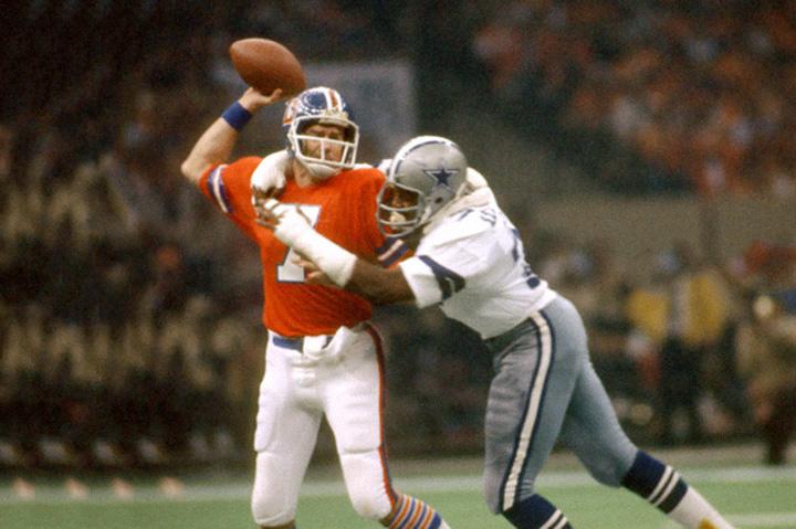 12-й Супербоул—матч между Dallas Cowboys и Denver Broncos