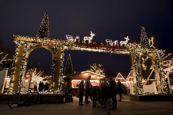 Рождественская ярмарка перед ратушей