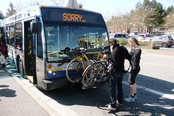 В Ванкувере к креплениям для велосипедов давно привыкли