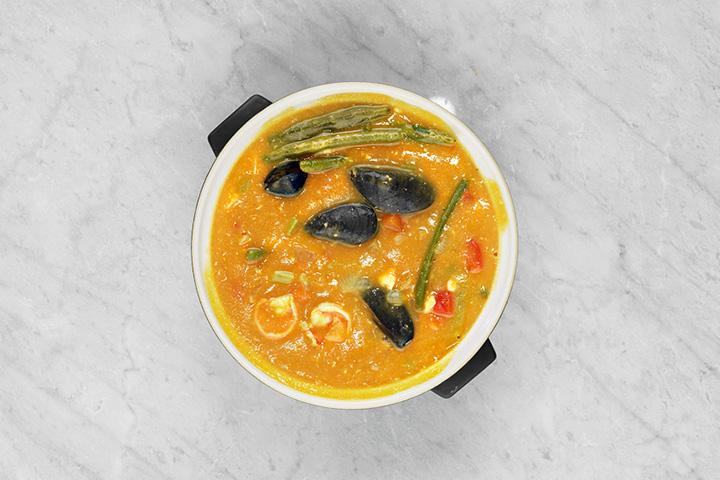 Томатный суп с креветками и мидиями в исполнении корректора Юлии Алексеевой