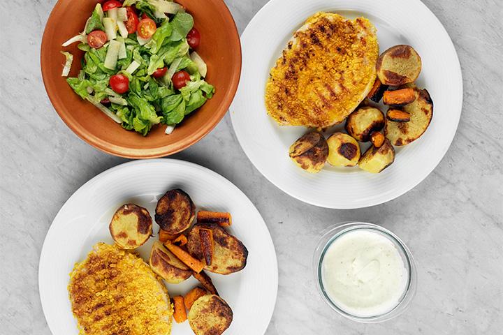 На котлеты из индейки и салат ушло 10 минут, на картошку — 30