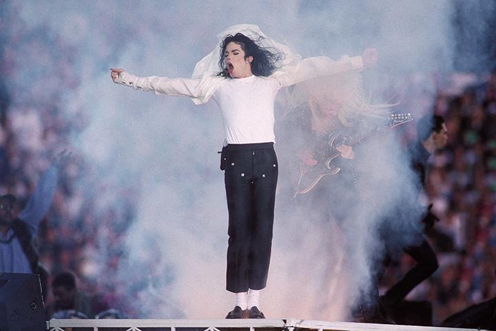 Майкл Джексон в перерыве Супербоула