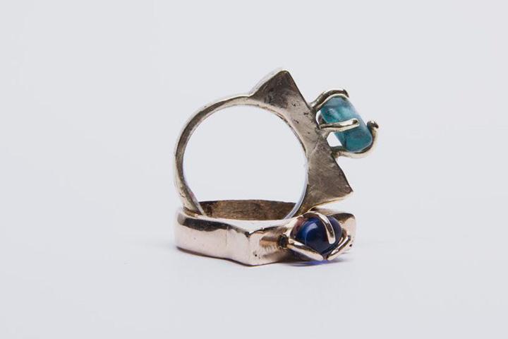 Кольцо с камнем, 2000 р.