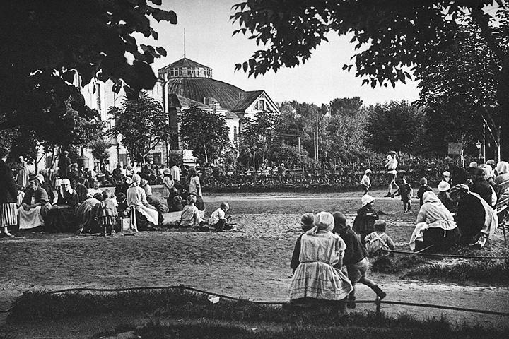 В 1920-е годы Триумфальная была очень зеленой площадью