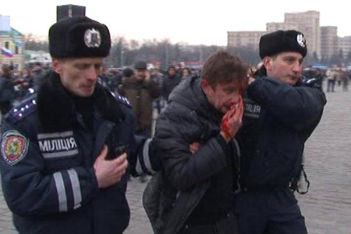 Сергея Жадана (на фото) и других активистов Евромайдана у участников пророссийского митинга отбила харьковская милиция