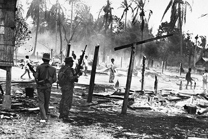 Тайские деревни после атаки солдат Пол Пота