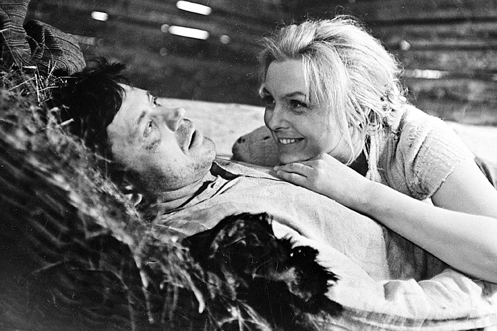 Фильм Витаутаса Жалакявичюса «Никто не хотел умирать» — одна из первых больших ролей Баниониса в кино — рассказывал о борьбе литовских партизан со сторонниками советской власти