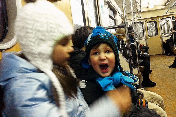 Выяснилось, что для детей самое важное в машине — магнитола и возможность 20 раз на репите послушать саундтрек к «Трем мушкетерам». В метро приходилось петь самим