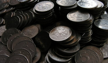 Рубль корректируется вверх вслед за нефтью и евро на форекс