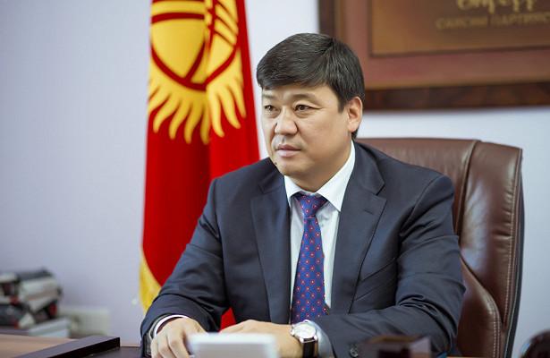 Бакыт Торобаев сходит спрезидентской гонки