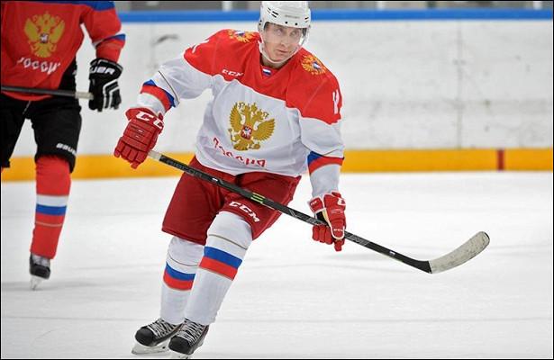 Песков допустил участие Путина вхоккейном матче