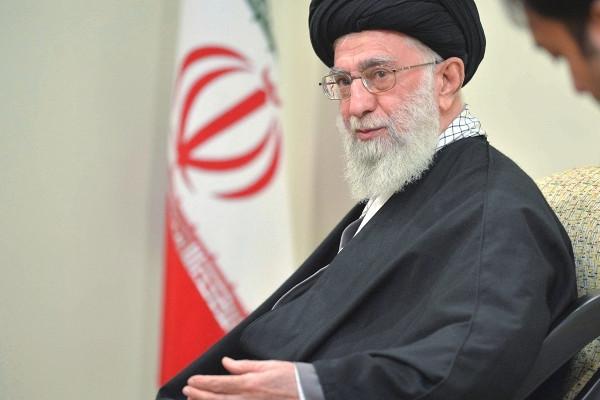 Хаменеи пообещал отомстить засмерть иранского ядерщика