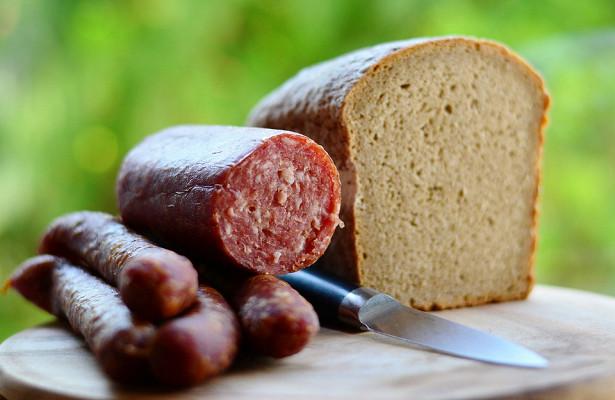 Врач предупредила осмертельной опасности колбасы
