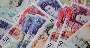 Британский фунт растет к доллару на заявлениях нового главы Минфина