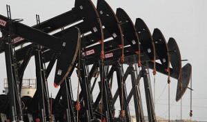 Нефть дешевеет на опасениях избыточного предложения сырья