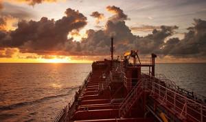 Цены на нефть снижаются на фоне роста добычи в ОПЕК