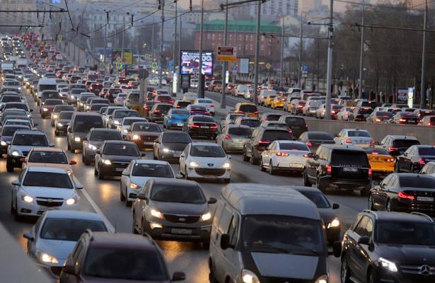 Пробки настоличных дорогах достигли 7баллов