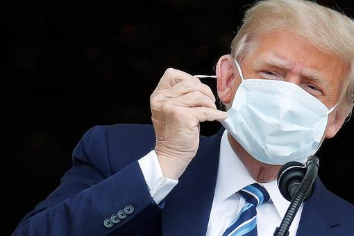 NYT: Трампа хотели поместить наИВЛиз-закоронавируса