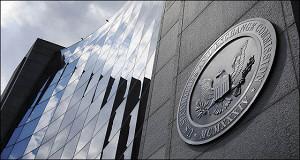 Финансовые осведомители обещанного три года ждут