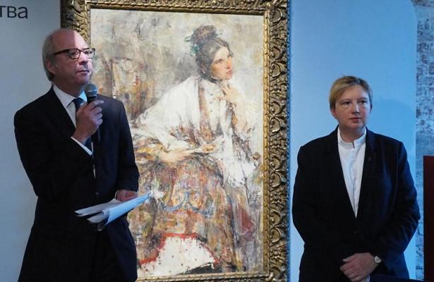Всемирно известный аукционный дом«Сотбис» открыл вМоскве выставку русского искусства