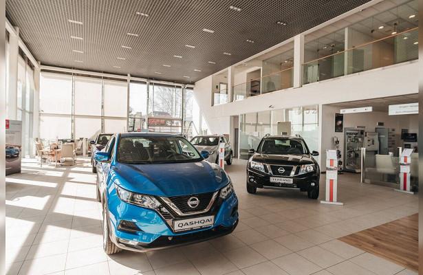 Nissan оснастит всеновые автомобили автопилотом