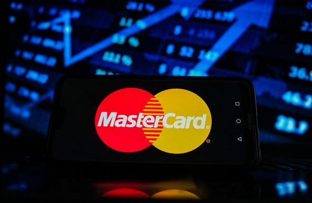 Mastercard запустит прием платежей вкриптовалюте