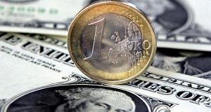 Курс доллара к основным валютам растет в рамках коррекции